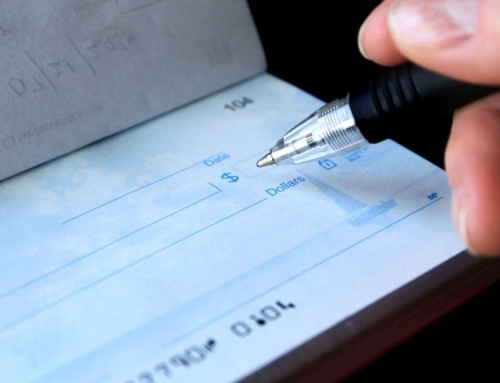 5 Simple Ways to Control Spending and Save Money with a Checking Account